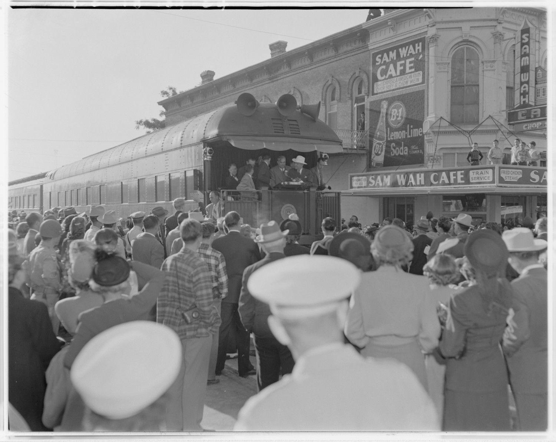 Douglass Neal Photo Of Back Of Train And Sam Wah Cafe Photograph September 27 1948 Austin Photos Downtown Austin Austin Hotels
