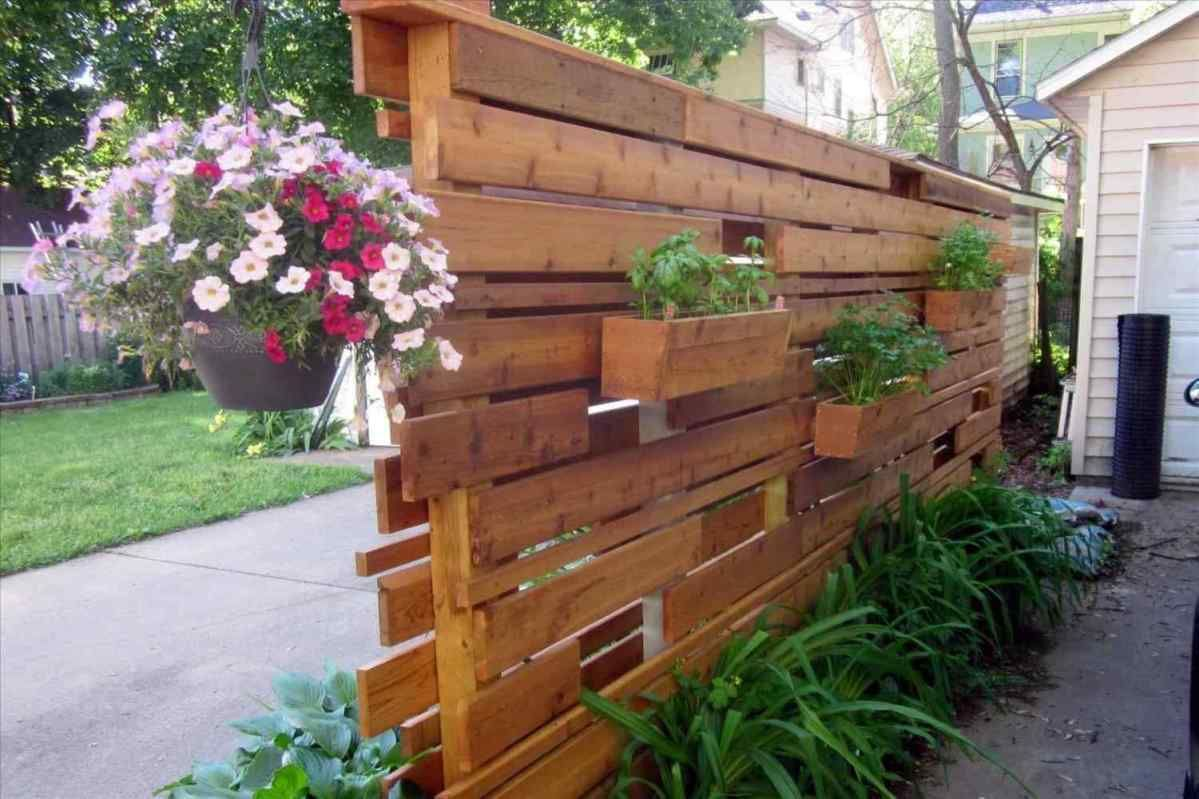 Gorgeous Privacy Wall Planter Design Ideas To Make Your ...