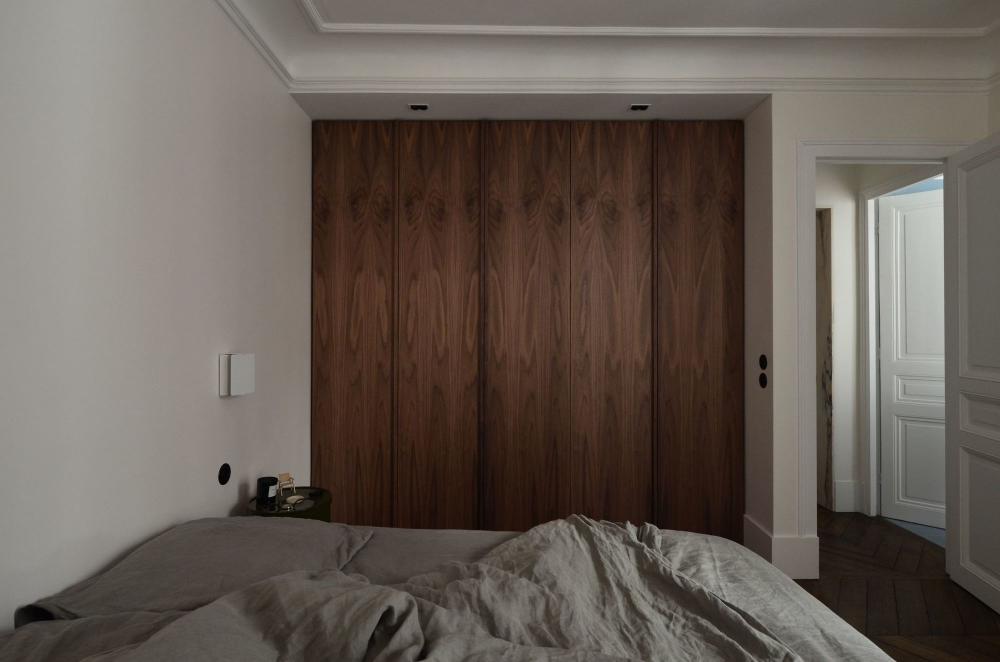 Un Appart Sur Mesure Pour Ce Couple D Architectes D Interieur En 2020 Architecte Interieur Decoration Maison Architecte