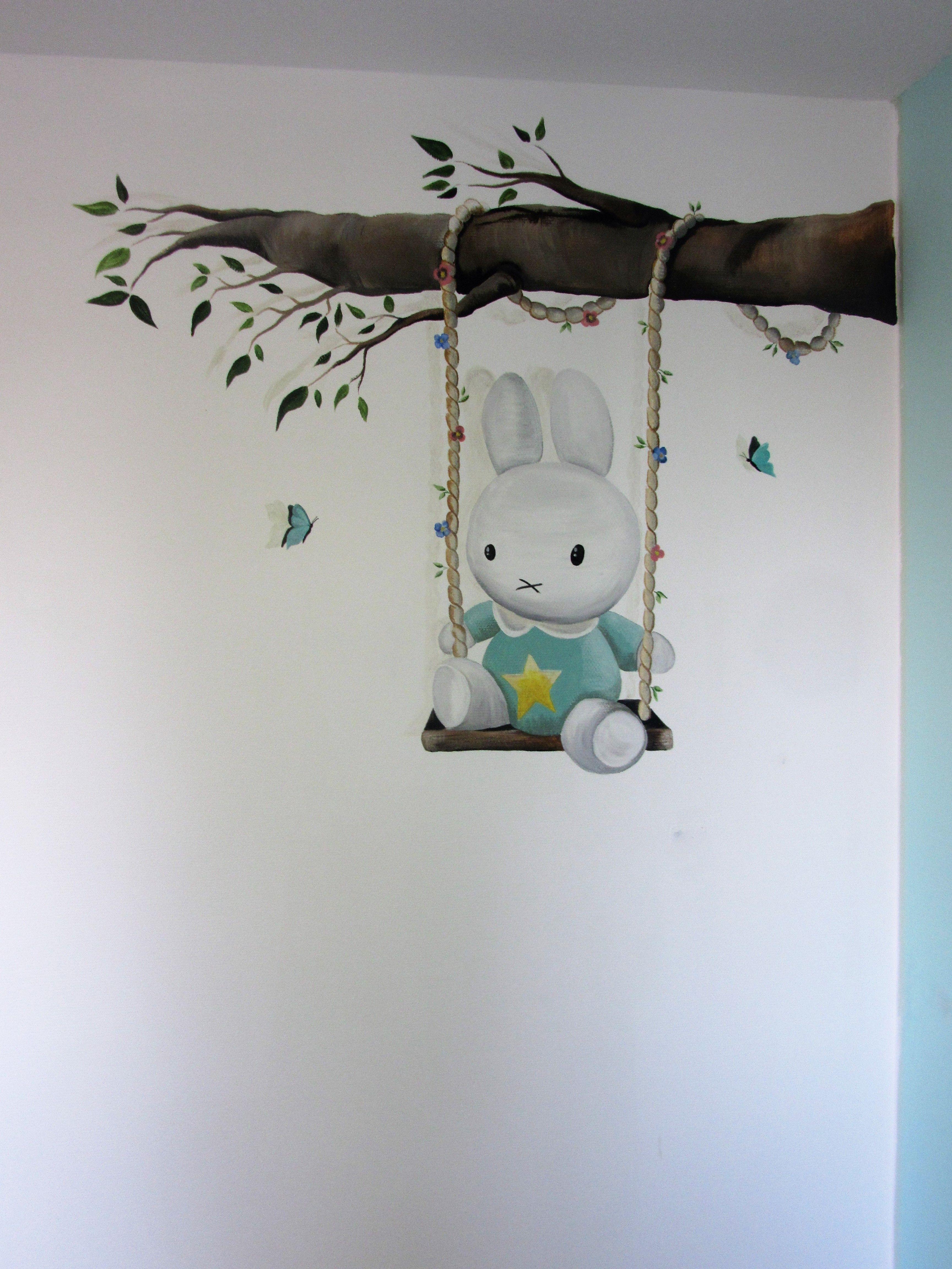 Muurdecoratie Babykamer Meisje.Muurschildering Muurdecoratie Wanddecoratie Tak Nijntje Op Schommel