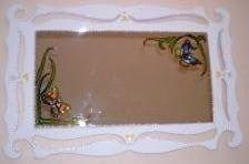 CLAF - Lindo Espejo de Mariposas con Marco Rococo (COD 003 - Espejo) Marco de madera pintado. Diseño  mariposas pintado sobre espejo. Medidas: - Espejo: 60x40 cm - Total: 80x60 cm Precio: $ 35.000 www.claf.cl
