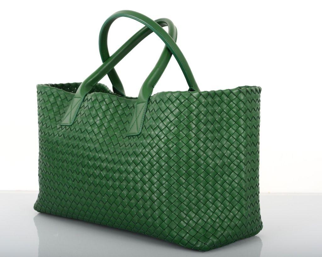 8a599212e9e New Limited Edition Color Bottega Veneta Cabat Tote Irish Green in ...
