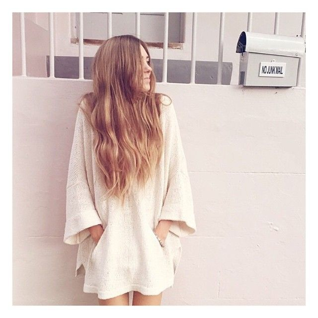 @chelseyroo keepin it cozy✨Click the link in our profile to shop our favorite sweater! #freepeople #FPMe #fashion