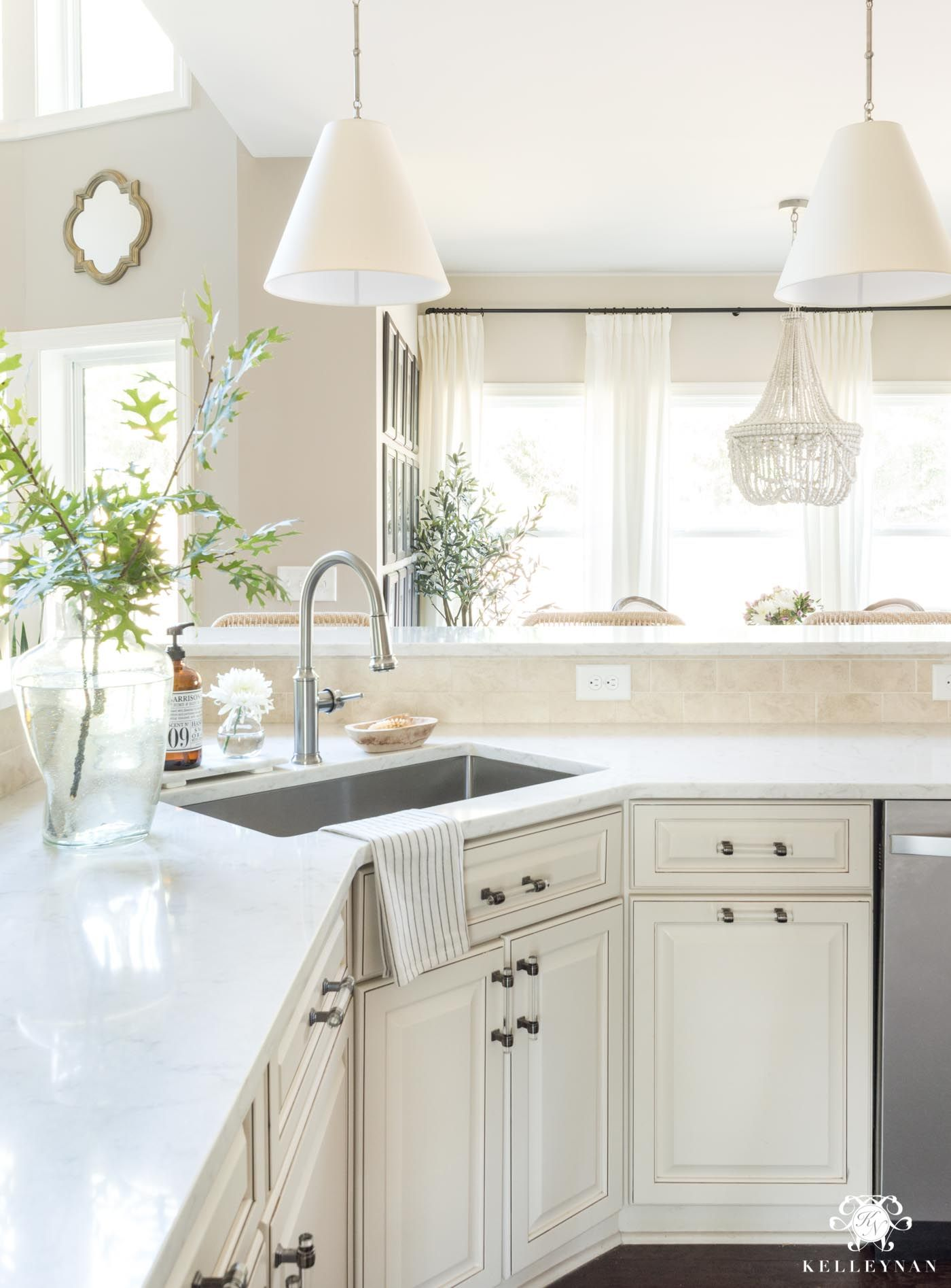 Best Update And Make A Traditional Cream Kitchen More Modern 400 x 300