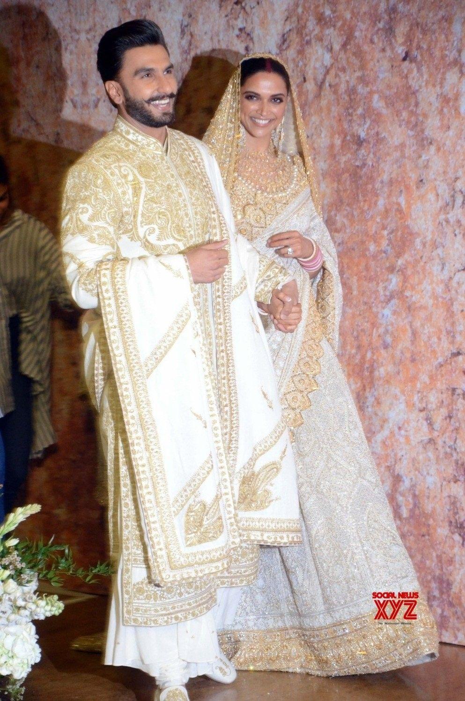 Deepika Padukone with Ranveer Singh #DeepveerkiShadi # ...