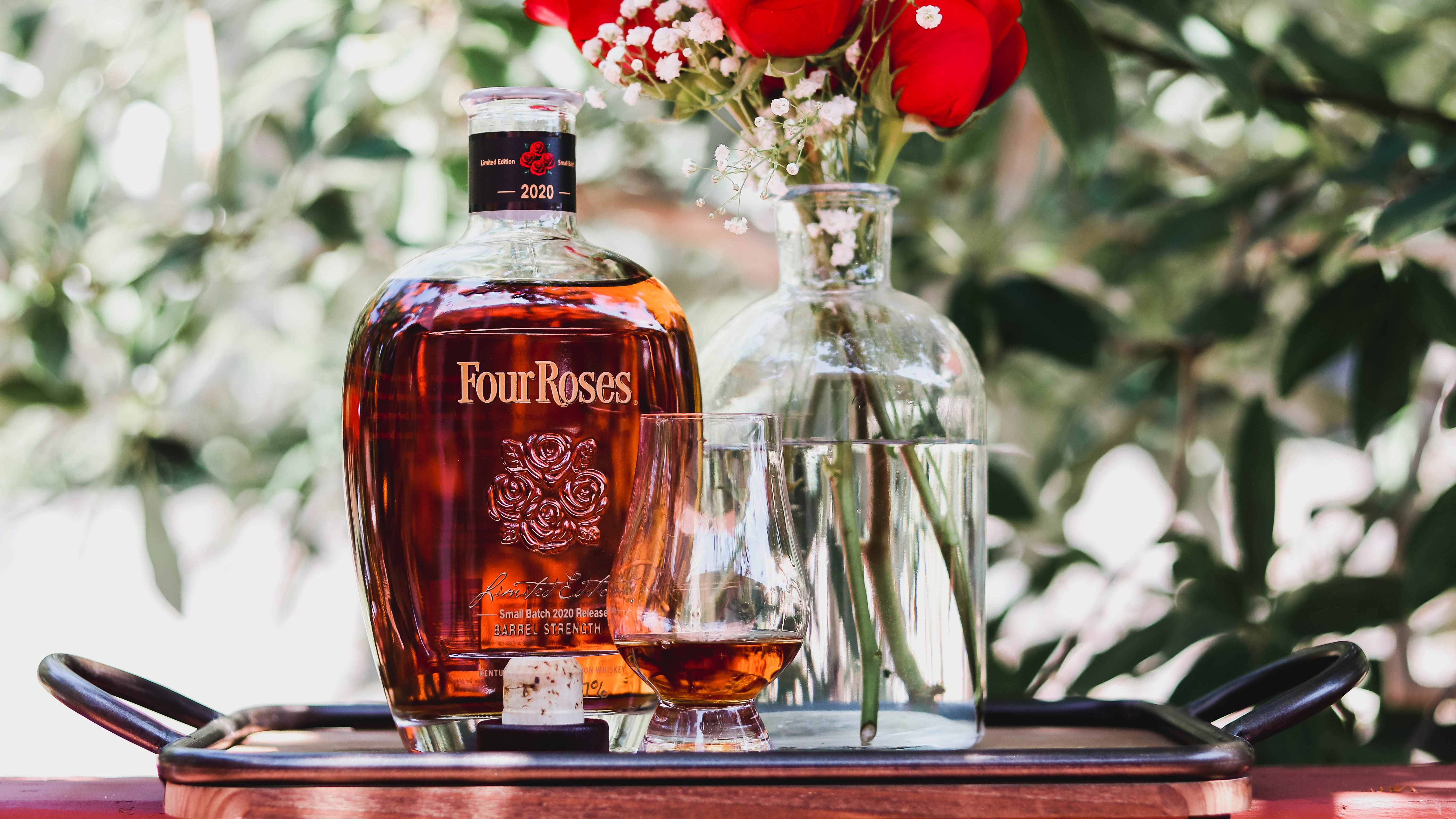 Four Roses 2020 Limited Edition Small Batch Review Men S Journal In 2020 Small Batch Bourbon Whiskey And You Bourbon
