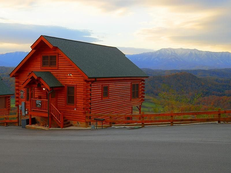Beautiful and relaxing place to stay! Cabin vacation rental in Pigeon Forge from VRBO.com! #vacation #rental #travel #vrbo