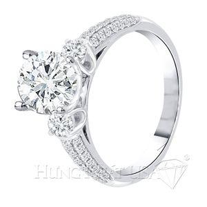 Luôn tạo ra những sản phẩm làm hài lòng khách hàng. HungPhatUSA sẽ đem đến cho bạn một bất ngờ đầy thú vị. Hãy cùng ngắm vẻ đẹp tuyệt vời của chiếc nhẫn kim cương tuyệt vời này bạn nhé.