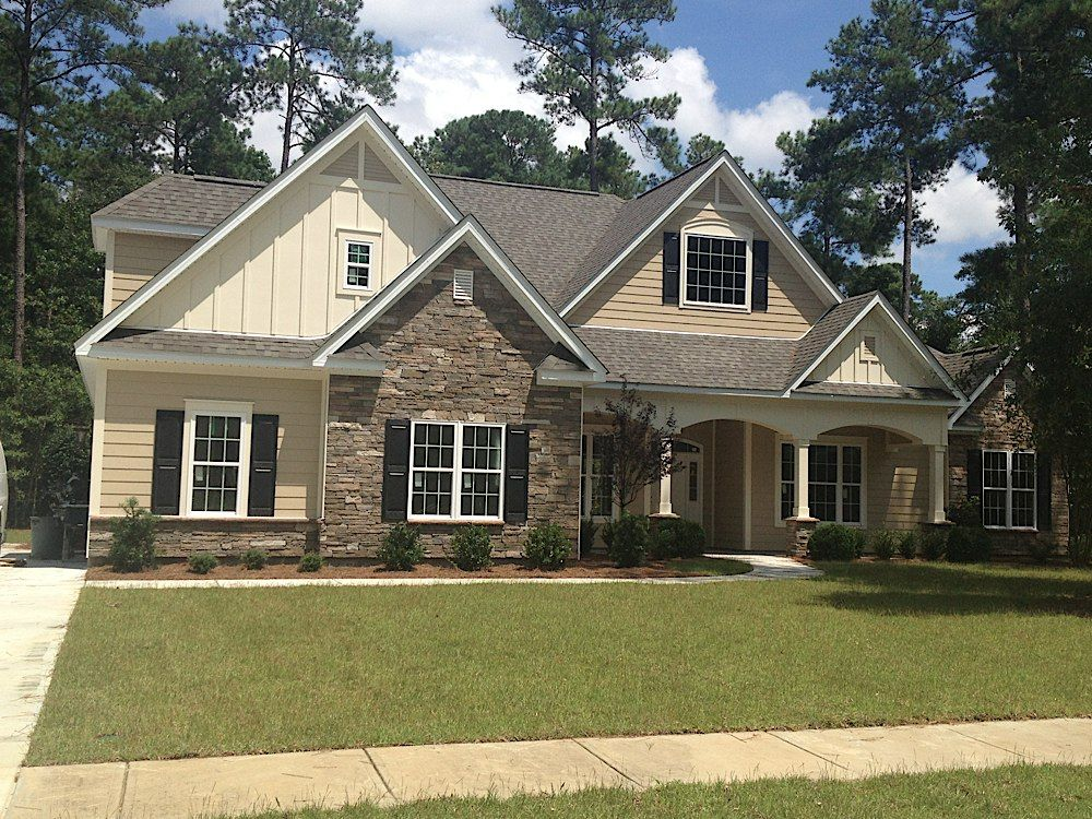 Hardy plank siding with stone accents cypress river for Exterior house accents