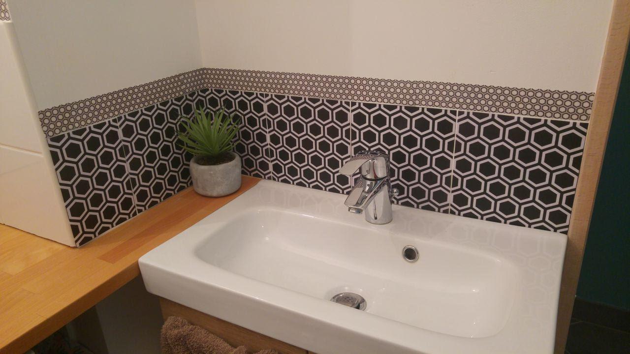 cr dence astuce hexagone noire de leroy merlin salle de. Black Bedroom Furniture Sets. Home Design Ideas