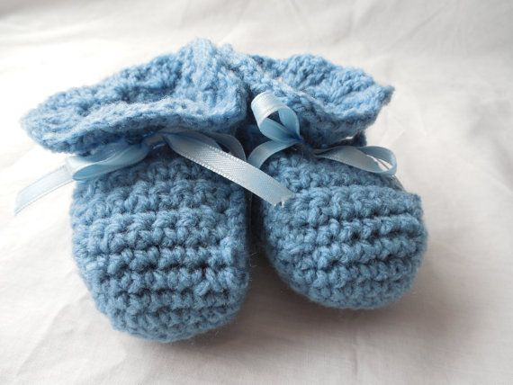 Baby Booties  Blue  Crochet   0 to 3 Months by ShelleysCrochetOle, $12.00
