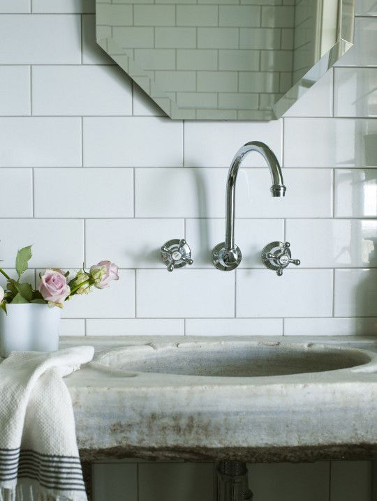 marble sinktop, subway tile. perfection.