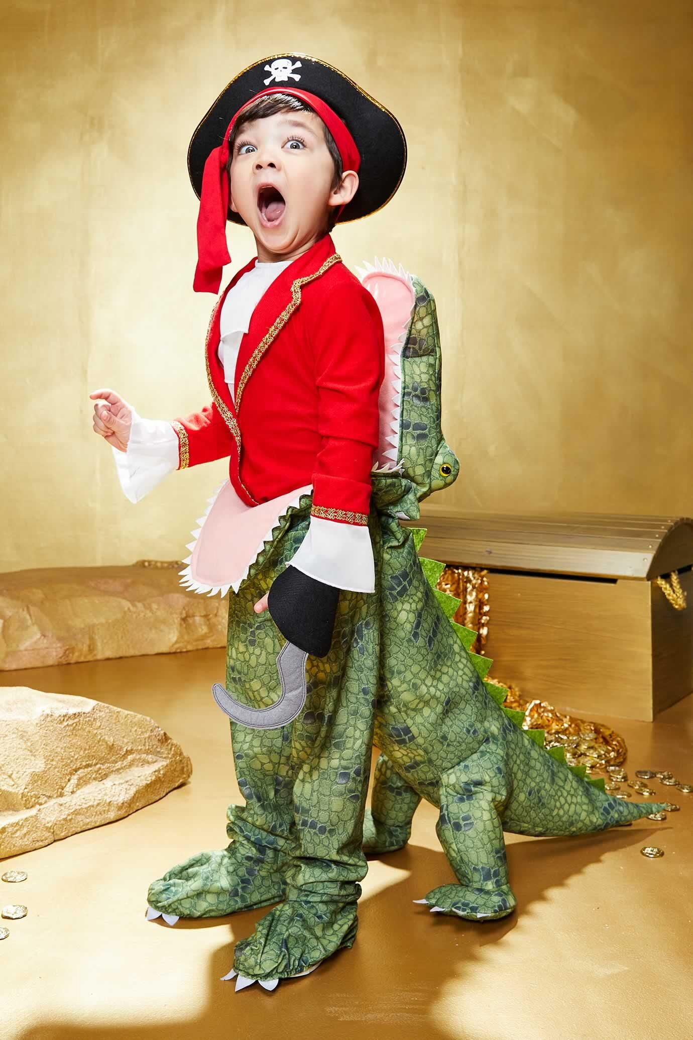 Crocodile Eating Pirate Costume for Kids | Chasing Fireflies #diypiratecostumeforkids