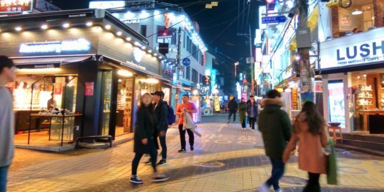 Hongdae, Tempat Nongkrong Anak Gaul Di Seoul - http://darwinchai.com/traveling/hongdae-tempat-nongkrong-anak-gaul-di-seoul/