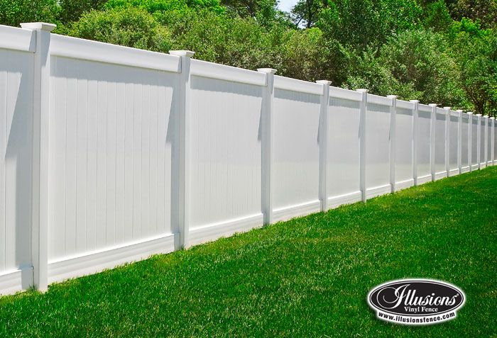 Good old fashioned Classic Illusions Vinyl Fence. PVC fencing panels ...