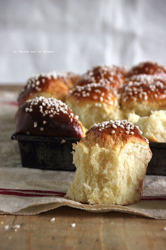 brioche allemande à la crème fraiche & au sucre perle