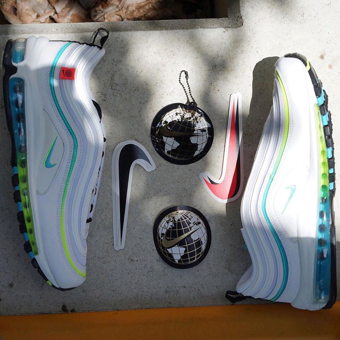First Look At The Nike Air Max 97 Worldwide Pack   Zapatos