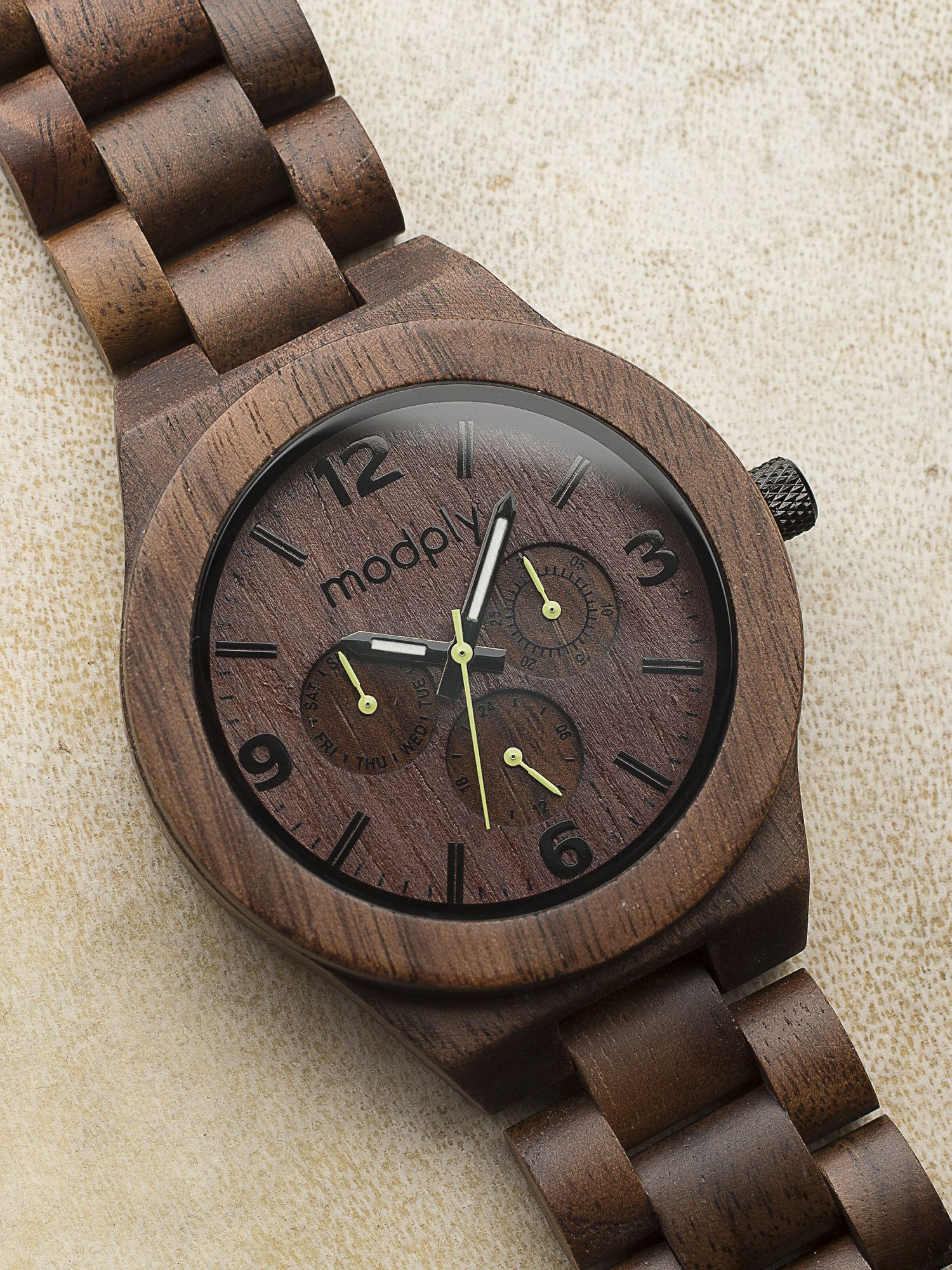 Father S Day Gift Engraved Walnut Wood Watch Fast Shipping Graduation Gift For Him 5th Annivers In 2020 Mens Gift Watch Best Watches For Men Vintage Watches For Men