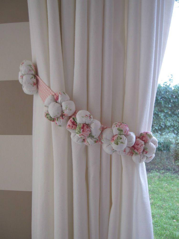 One Fabric 5 Padded Flowers Curtain Tie Back White Light Pink