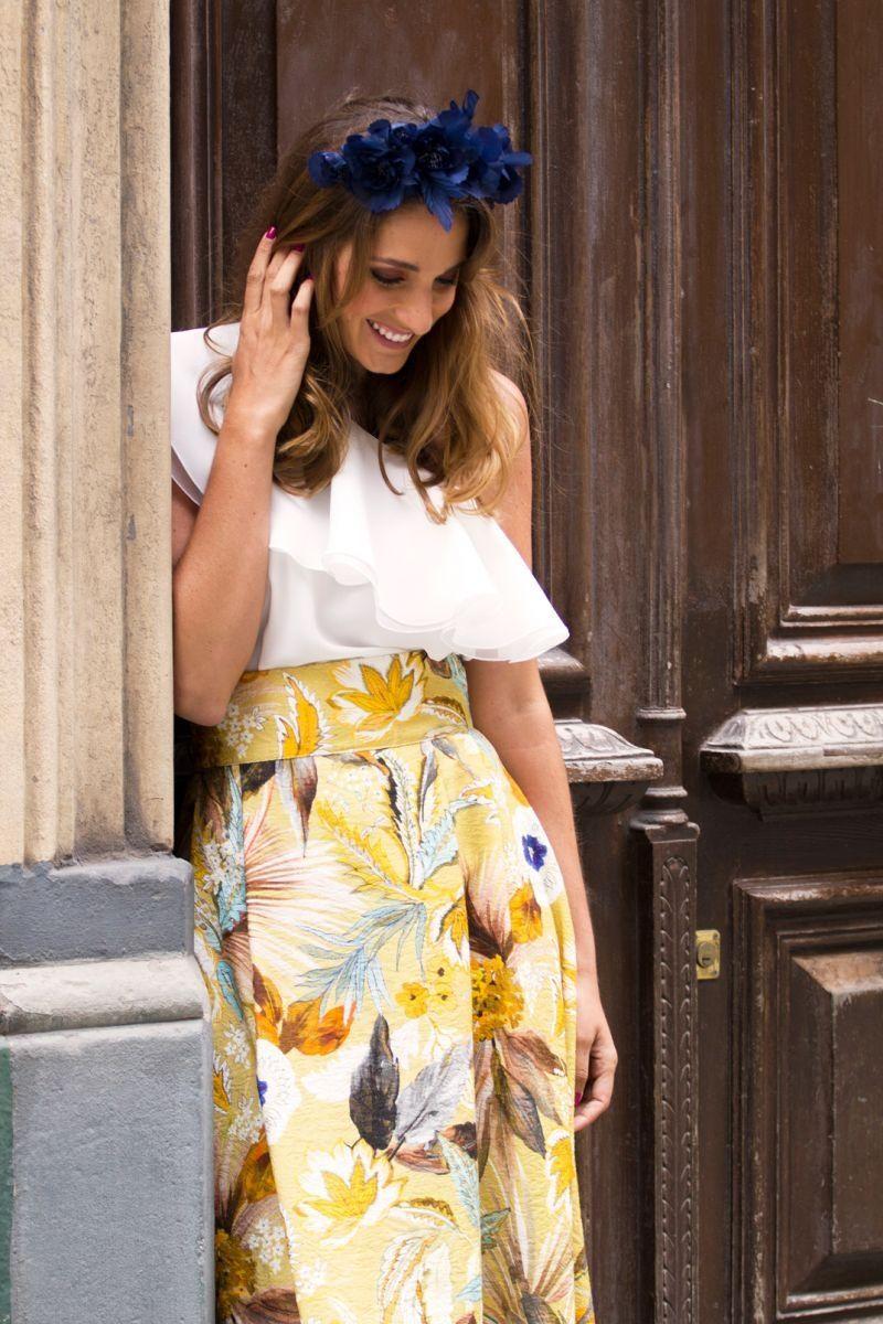 4afcbbea8 falda larga de flores color mostaza para invitada boda evento fiesta de  apparentia