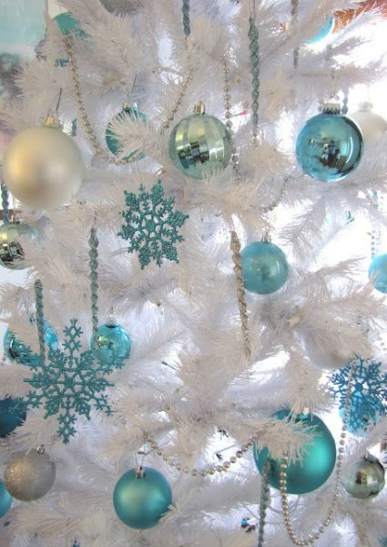 white christmas tree with aqua ornaments - White Christmas Tree With Blue Decorations