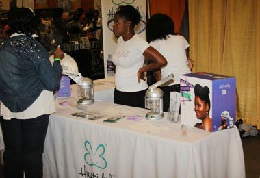 Huetiful at the World Natural Hair Show -- Huetiful founder Ken Burkeen shares secrets about their popular steamer and revolutionary Smoothing System. #curlyhair #naturalhair http://www.naturallycurly.com/curlreading/curly-hair/huetiful-at-the-world-natural-hair-show