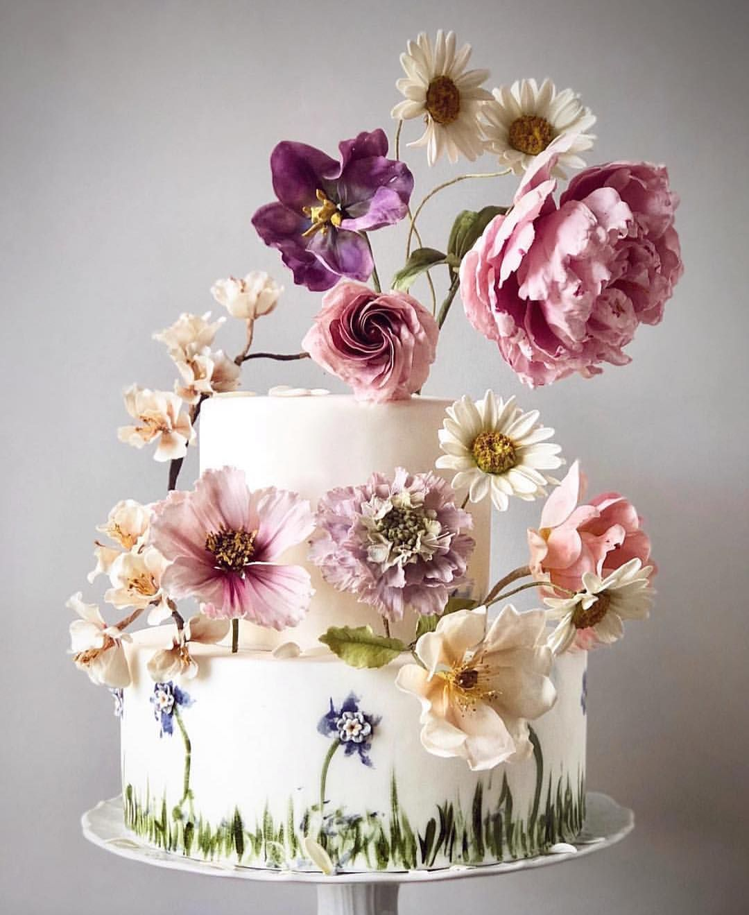 Feeling the spring vibes on this stunning cake by