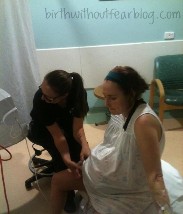 Natural childbirth of triplets in a hospital! Truly ...