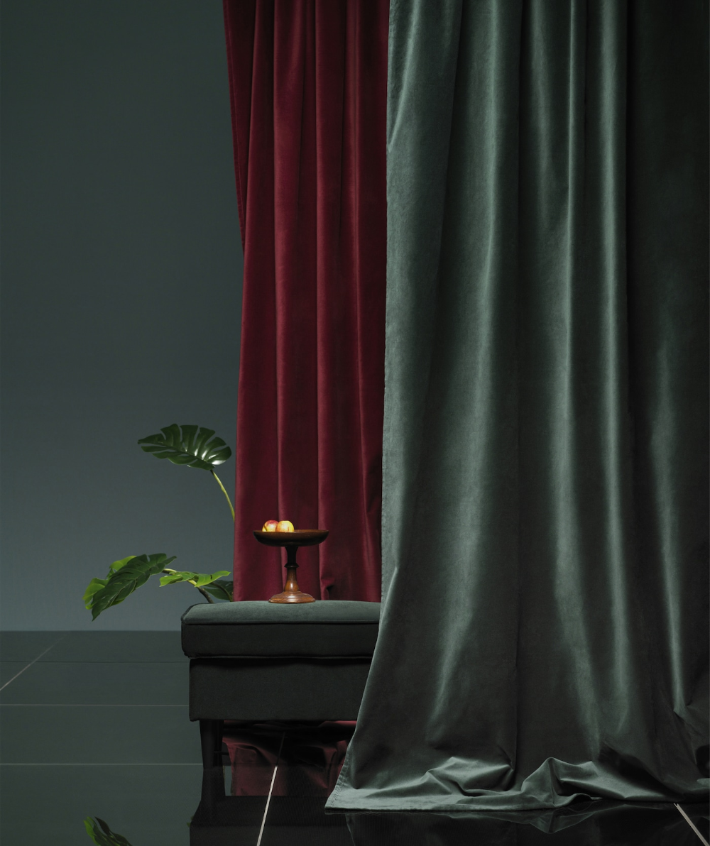 Get This Season S Look And Feel With Velvet In 2020 Red Curtains Living Room Red Curtains Bedroom Red Velvet Curtains