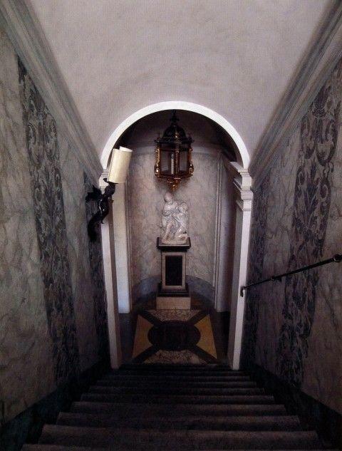 Studio Peregalli, Oderzo - wide & closed stairway, Barrel ...