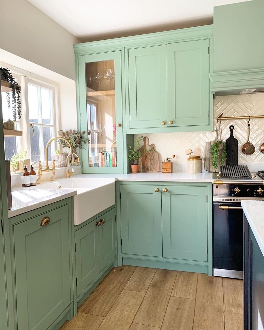 Mint Green Kitchen With Gold Hardware In 2020 Green Kitchen Designs Mint Green Kitchen Kitchen Design