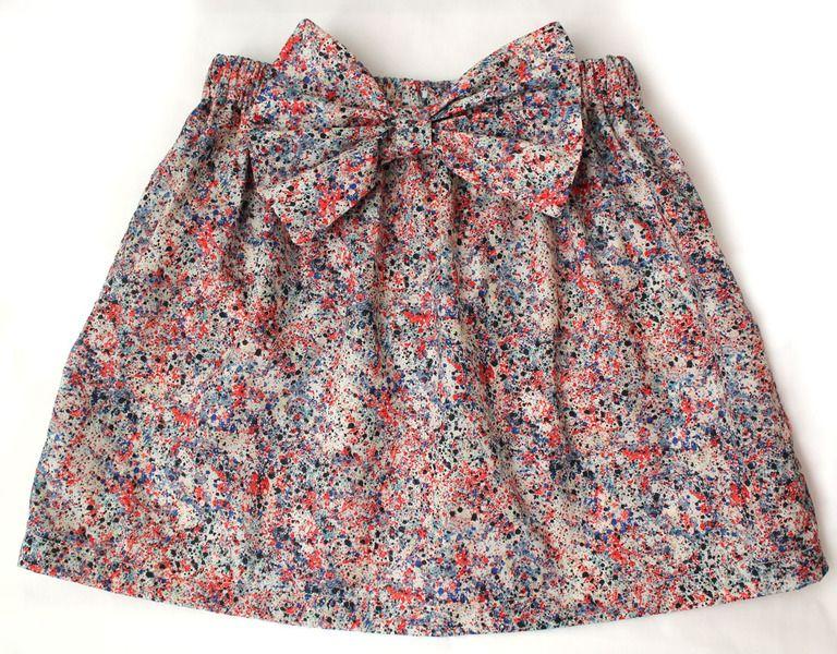 Petite jupe liberty deviendra grande et se transformera en top bustier, magique !