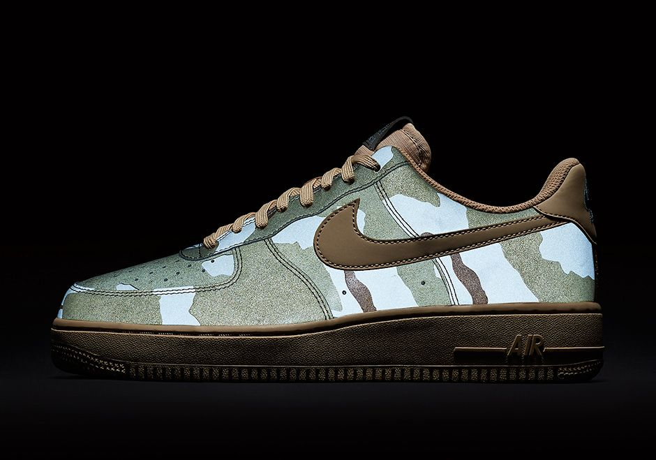 super popular 6ea47 c3cec Up Close With The Nike Air Force 1 One Reflective Desert Camo
