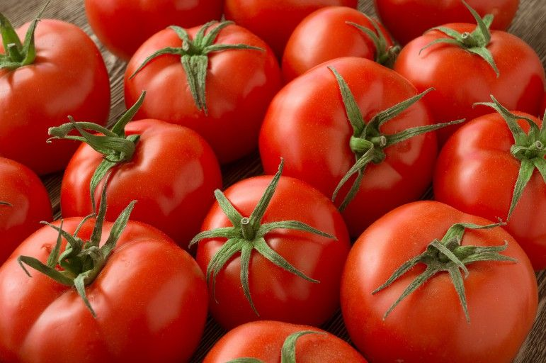 tomatoes contain lycopene