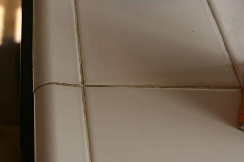 Limone e bicarbonato di sodio per pulire le fughe tra le piastrelle biologico per la vita - Pulire fughe piastrelle aceto ...