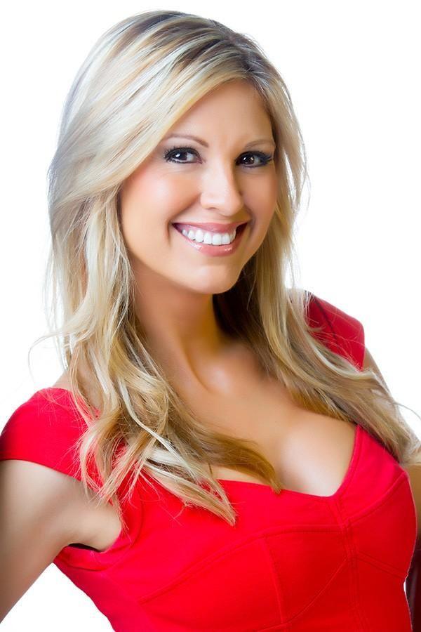 Olga Ospina Los Angeles Local News Fox 11 La Kttv Beauty Hot Blondes Long Hair Styles