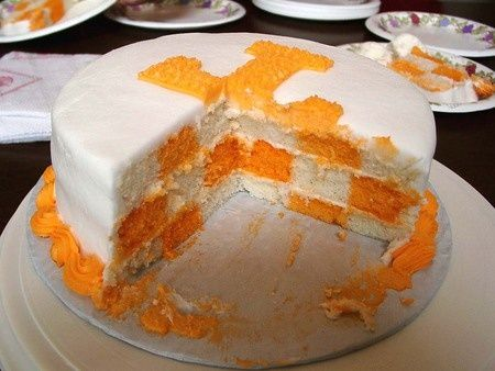3af9457aa828897d8ef5ec53a619ecee tennessee vols football cake big orange cakes pinterest cake