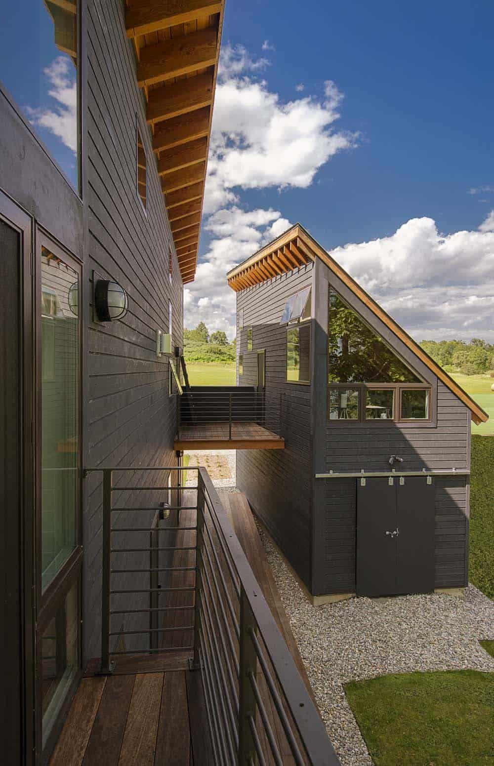 Vermont home designed to take advantage of idyllic ...