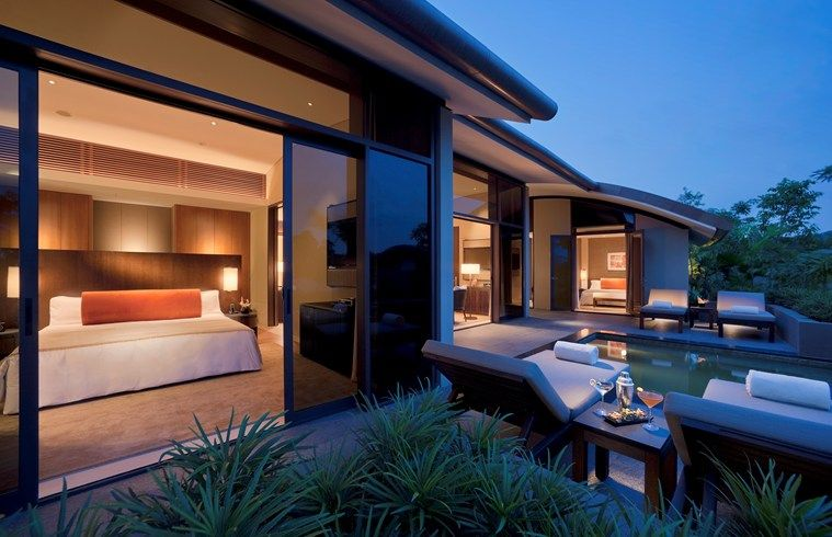 Capella Singapore Housed In A British Colonial Building The Resort Has 112 Ious Rooms Suites And Villas