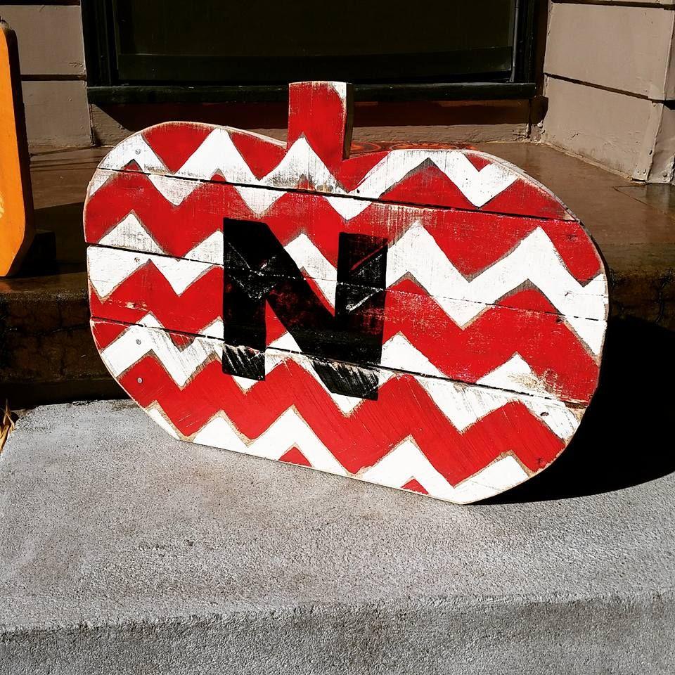 Chevron Husker Pumpkin #GBR #huskers #nebraska #riverviewpalletcreations Riverview Pallet Creations - https://www.facebook.com/RiverviewPalletCo/
