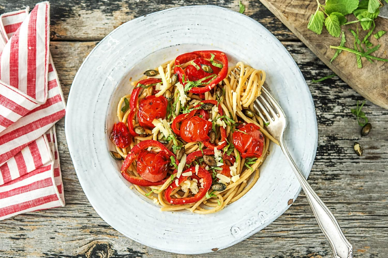 Spaghetti Complets Aux Tomates Cerises Et Au Gruyere Hello Fresh