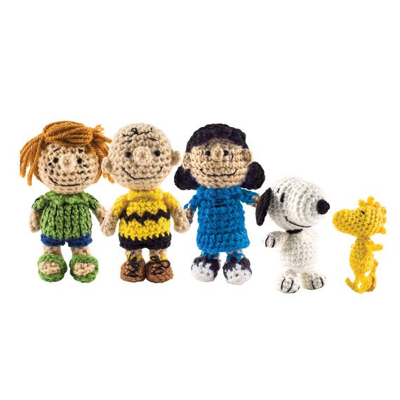 The Peanuts Gang Is Back ... as a Cast of Crocheted Characters ...