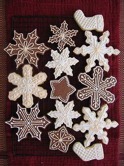@Hosanna LaMancusa Mullen, gingerbread snowflakes this year? Do you guys have snowflake cutters?