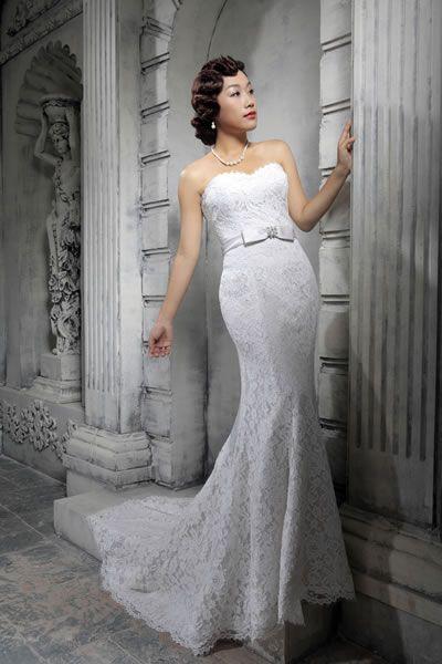 2d3957d4fa8d Brudklänning Veronica i hel spets. Köp till matchande bolero med korta  eller långa ärmar.