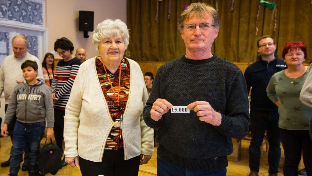 A ma 91 éves Bici néni tegnap játszotta le 15000. szimultánját 7b64089283