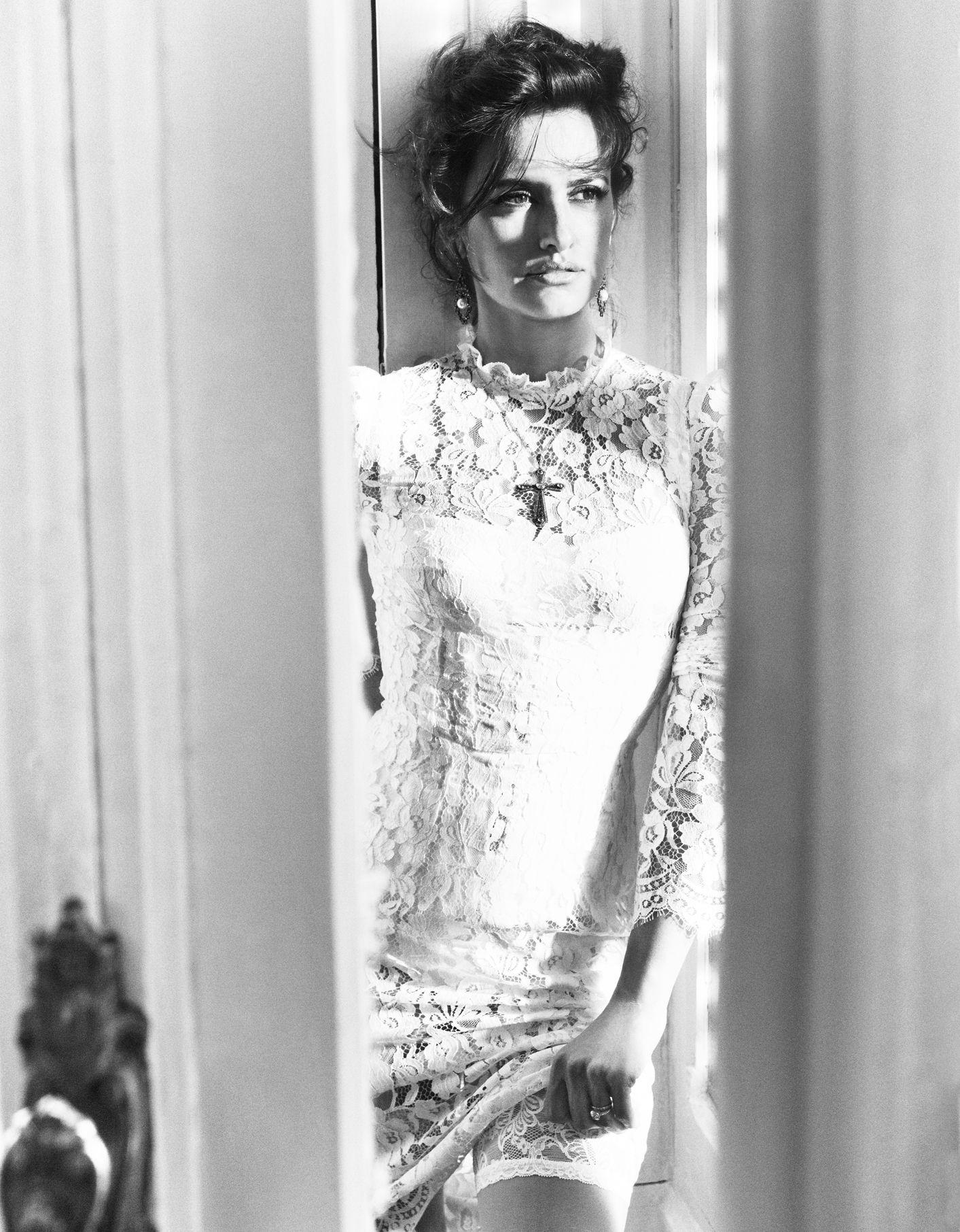 Penelope Cruz - November 2012 - Sangre Caliente - Vogue Spain - Photo by Tom Munro