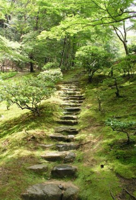 Stone Garden Path Ideas 32 natural and creative stone garden path ideas gardenoholic 32 Natural And Creative Stone Garden Path Ideas Gardenoholic