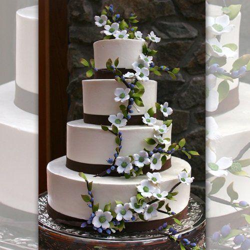 Rustic flower vine wedding cake.