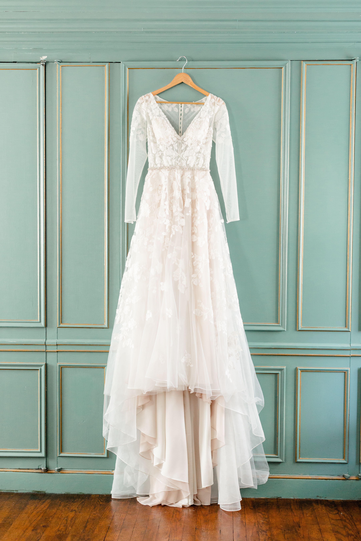 Gorgeous Wedding Dress At Dresser Mansion In Tulsa Ok In 2020 Gorgeous Wedding Dress Gorgeous Wedding Mansion Wedding Venues