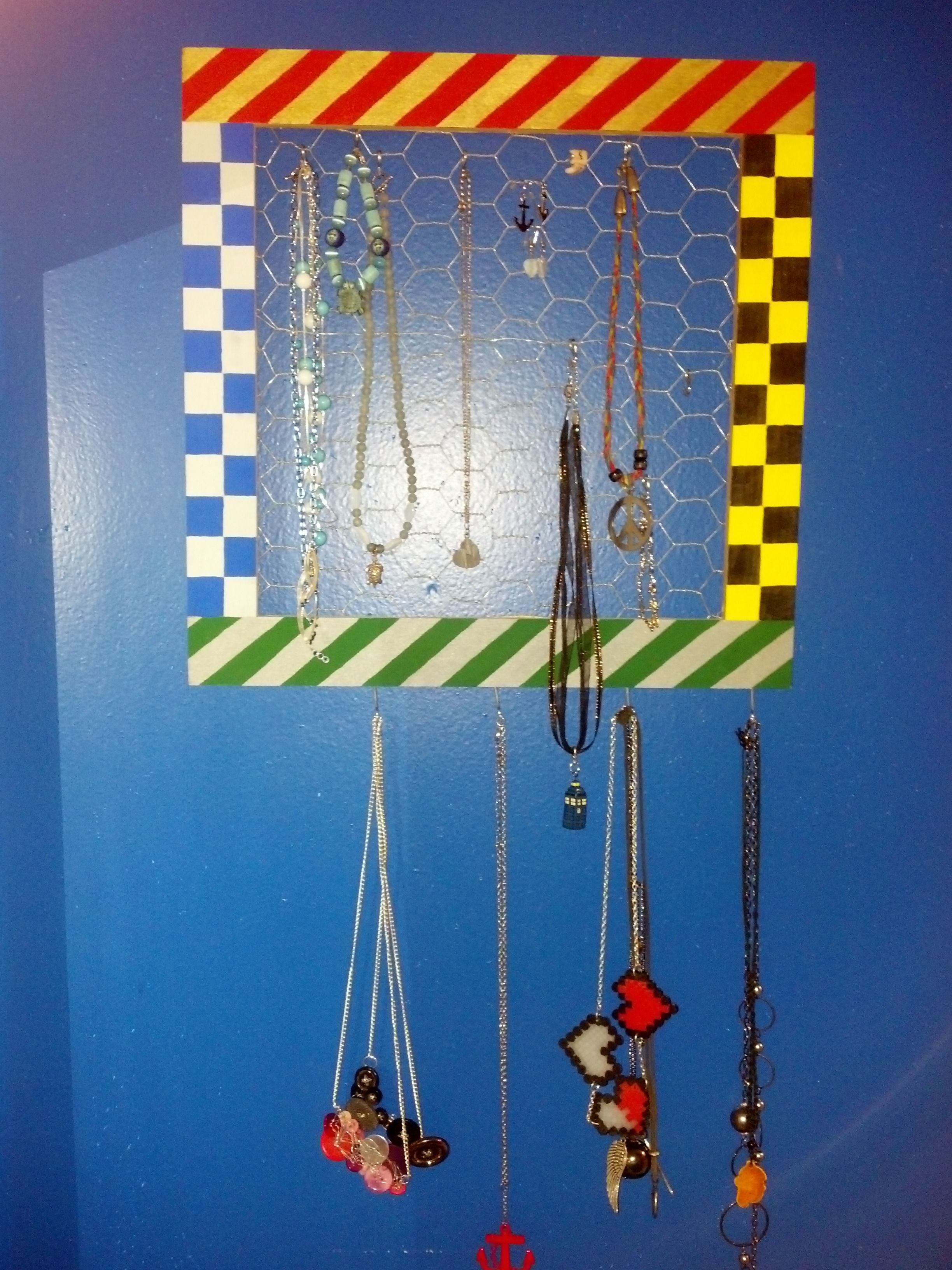 Hogwarts house colors themed jewelry hanger! Painted a picture frame ...